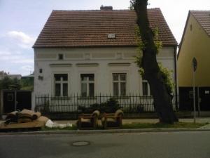 """Die """"Straße der Einheit"""" - ein Gerümpelhaufen, sehr sinnbildlich..."""