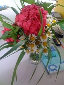 Blumenstrauß statt Rasenschnitt